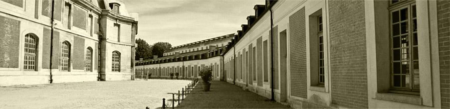Vue sur la cour de la Maréchalerie. courtesy lamarechalerie.versailles.archi.fr